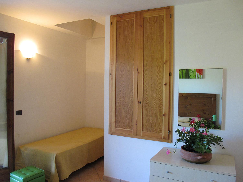 Camere a otranto 3 posti letto camere e comfort missipezza residence otranto - Camere posti letto ...